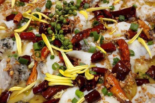 何記酸菜魚藤椒