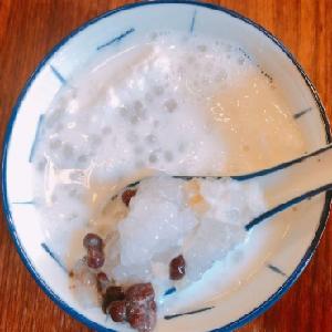 阿木仔咸梅糖水椰奶