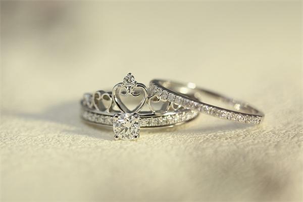 首爱钻石好看