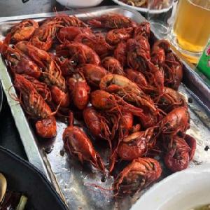 分享巴士主題餐吧龍蝦