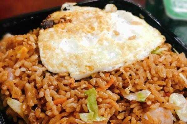 豐索旺鐵板炒飯快餐煎蛋