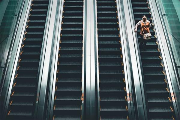 欧姆龙电梯客梯