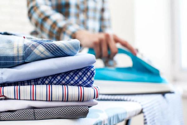 自强干洗熨衣服