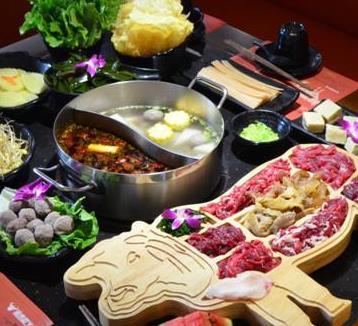 尚牛记潮汕鲜牛肉火锅丰盛