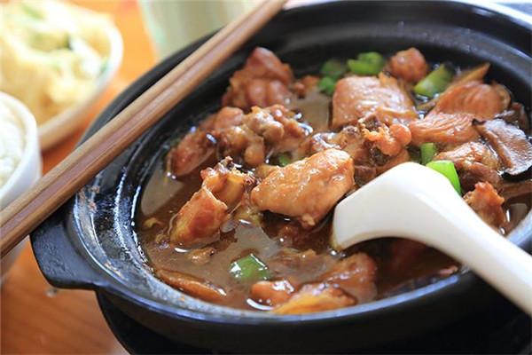 福萊記黃燜雞米飯美味