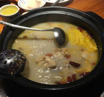 唐府养生锅鸡汤