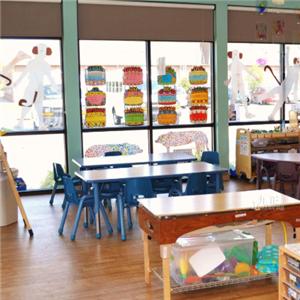 英国牛津国际幼儿园书桌