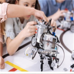 星光机器人教育运转