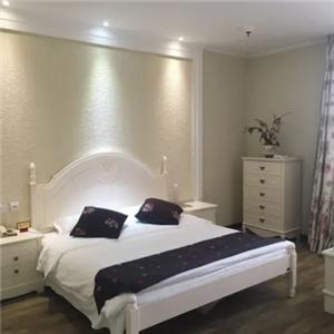 哈特商务酒店高级大床房