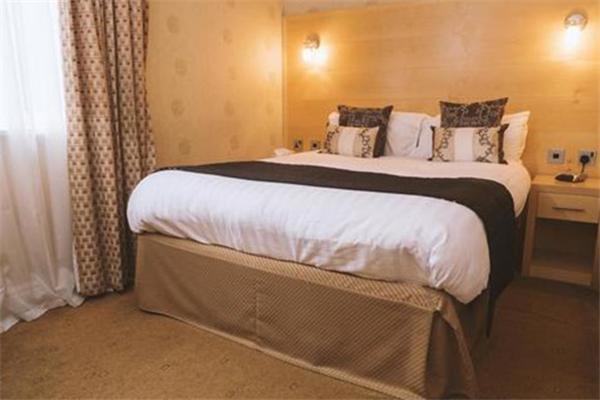 普雷斯顿酒店大床房