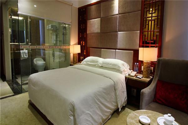 豪庭商务酒店豪华大床房