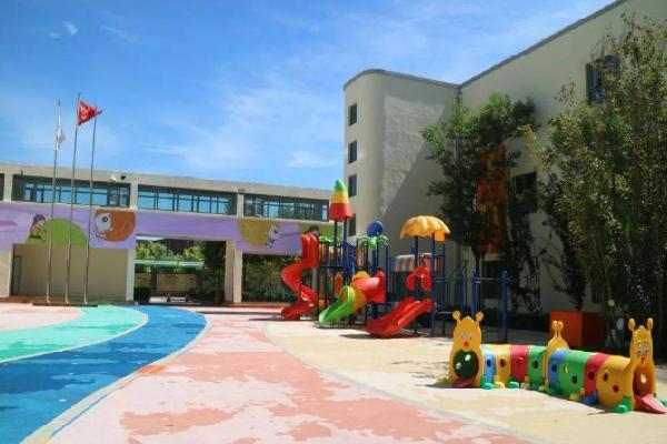 师范幼儿园室外