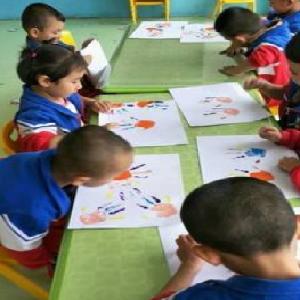 蓝海幼儿园画画课