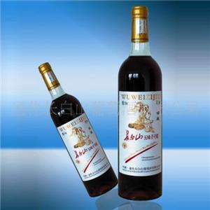 长白山葡萄酒半甜葡萄酒