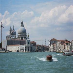 威尼斯水城外景