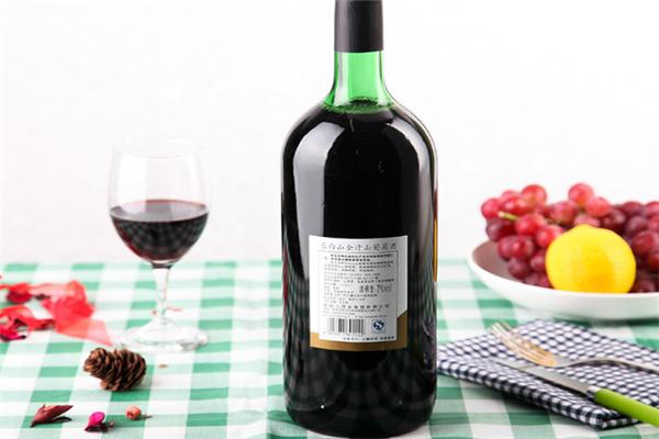 长白山葡萄酒干红葡萄酒