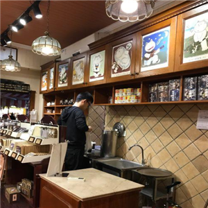 店张三疯奶茶店内部样式