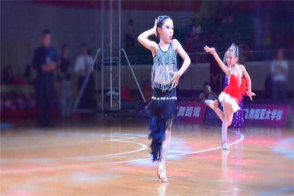 拉丁舞培训比赛