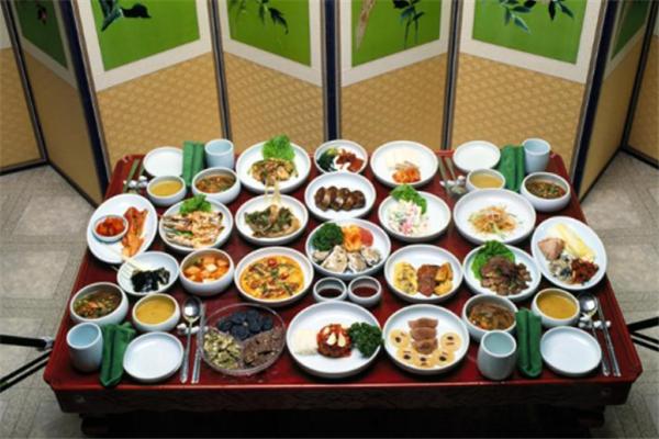 肉加韩国料理菜品