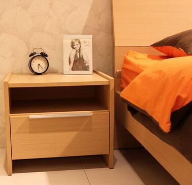 耐特利尔家具床头柜