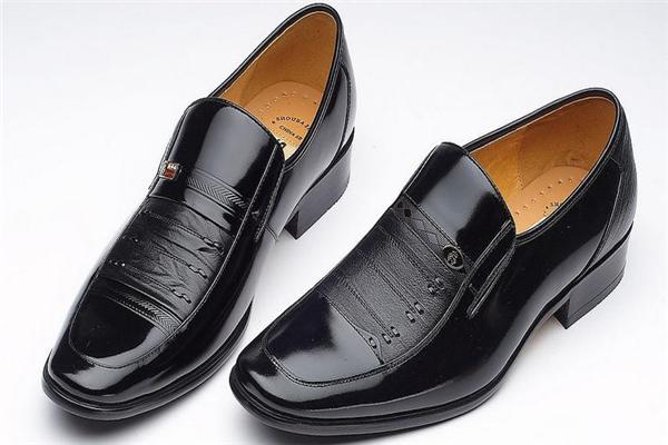 赛王皮鞋样式
