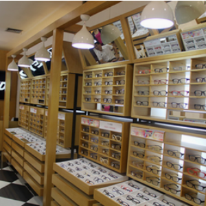 快时尚眼镜店柜台