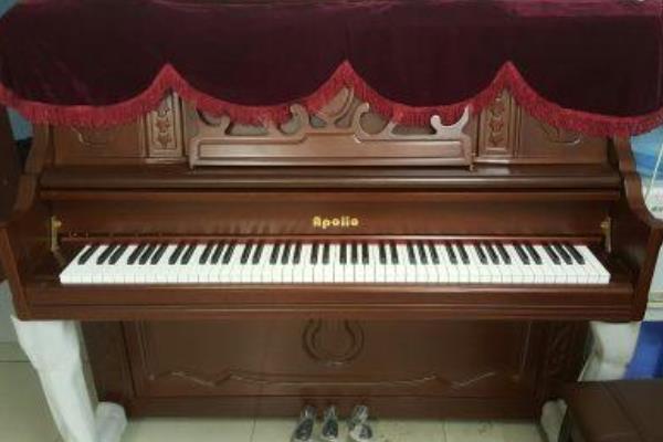 阿波罗钢琴展示