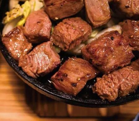 三个土人铁板烧牛肉