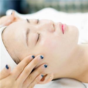 迪芙格皮肤管理按摩