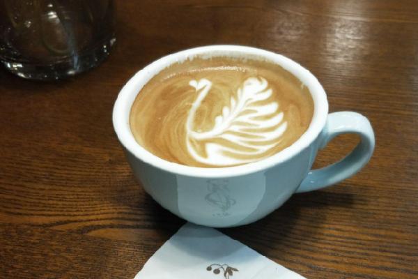 罗多伦咖啡店拉花