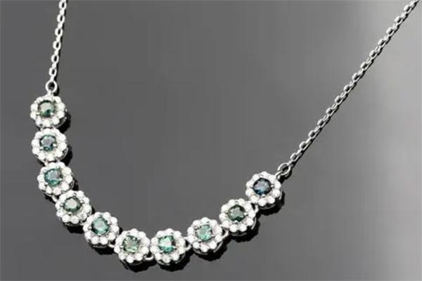 金蔓利珠宝项链