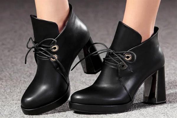 舒丹妮女鞋靴子
