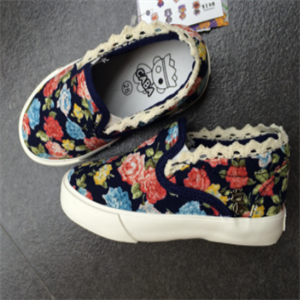 哆啦猫童鞋帆布鞋