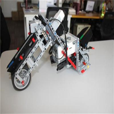 博讯飞机器人教育设计