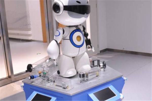 博讯飞机器人教育教学