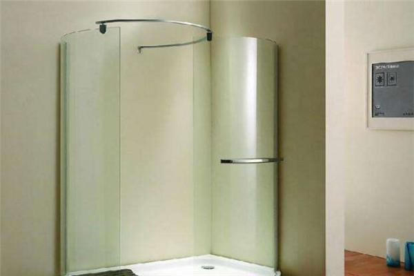 宜浴集成淋浴屏设计