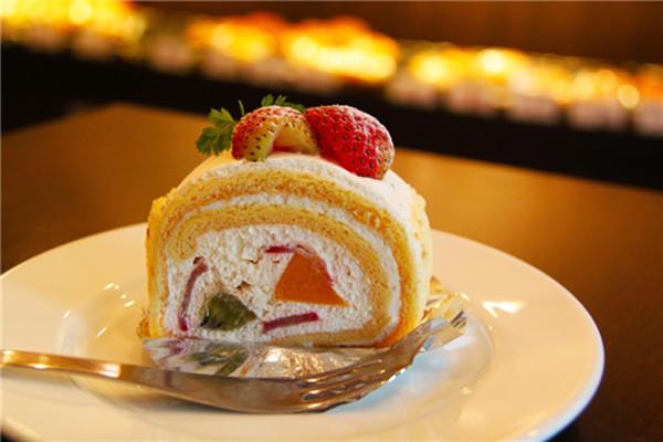 左喵甜品草莓卷