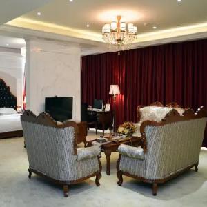 百纳时尚酒店客厅