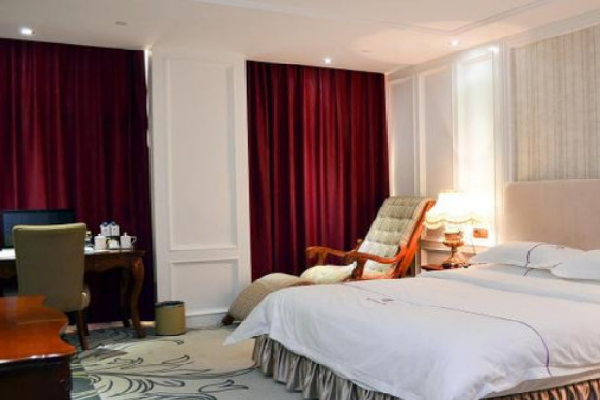 百纳时尚酒店商务房