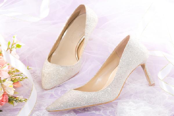 领头羊女鞋水晶鞋