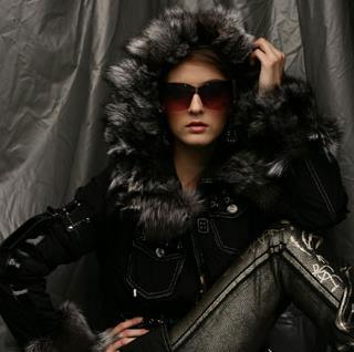 古歐女裝黑色皮衣