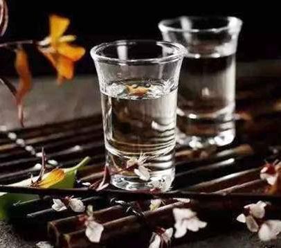馨云川蕎酒2杯