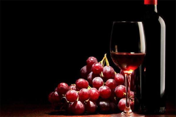 酩冠原瓶進口葡萄酒特色