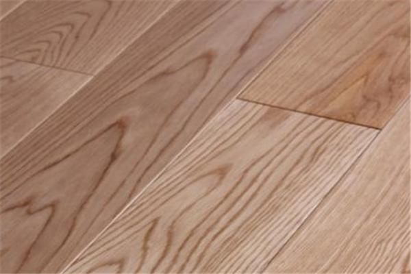 品生地板實木