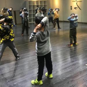 嘻哈大師少兒街舞練習