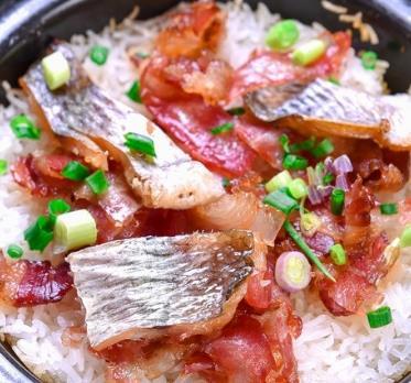 智能香米煲仔飯魚