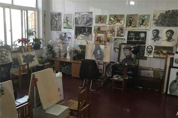 青橙畫室教室