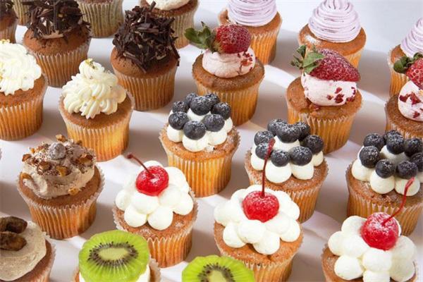 美藝甜蛋糕甜品水果