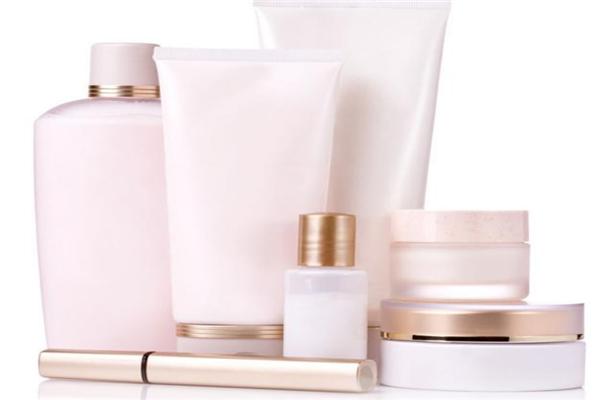 維芙雅護膚品粉色套盒