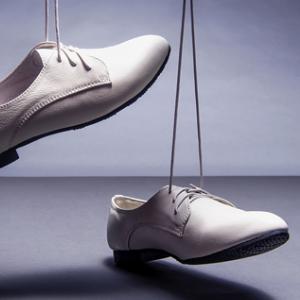彩梅北京布鞋皮鞋